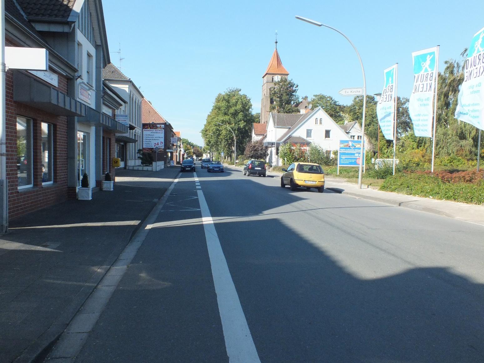 Bild: Die CDU-Fraktion hat beantragt, dass im Rahmen der Sanierung auch ein verbreiterter Rad- und Gehweg  auf der Jakobistraße entsteht.