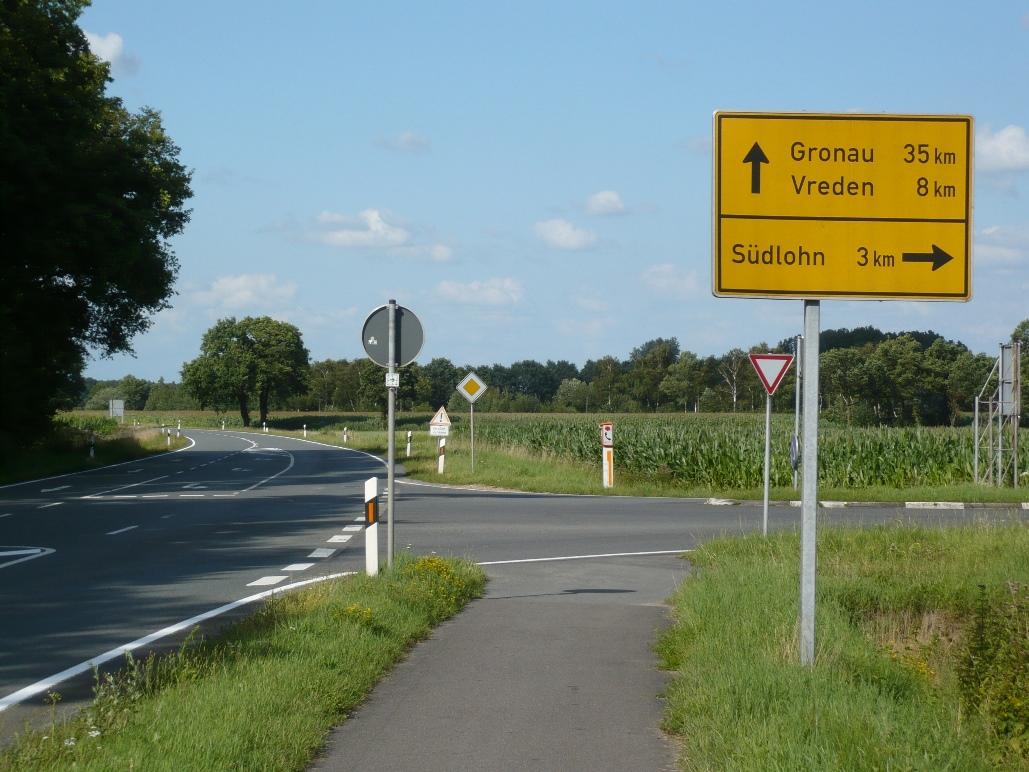 Seit mehr als 10 Jahre fordert die CDU die Fortsetzung des Radwegs entlang der Baumwollstraße. In 2018 sollen jetzt endlich die Baumaßnahmen beginnen.